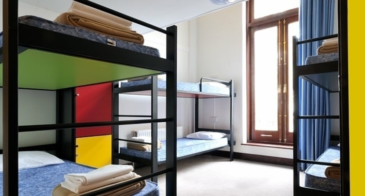 5 conseils pour ouvrir une auberge de jeunesse parcours. Black Bedroom Furniture Sets. Home Design Ideas